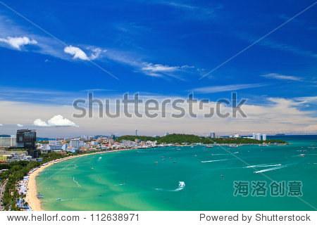 芭堤雅海滩和城市鸟瞰图,泰国春武里