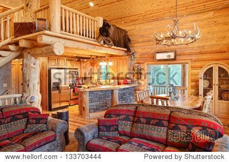 内部的一个现代化的小木屋