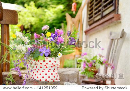 幼儿园春天的花朵手工制作图片