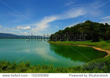 美丽的风景和小河流在泰国农村