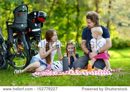 动物野餐聚会图片