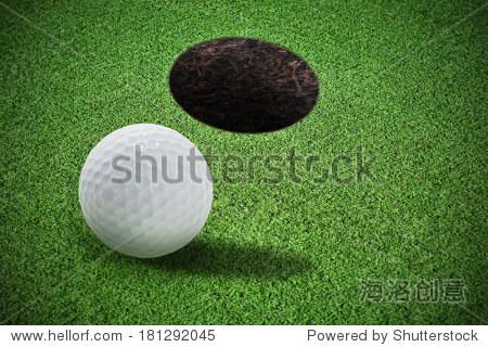 高尔夫球装饰的绿色草地上 - 运动/娱乐活动,公园