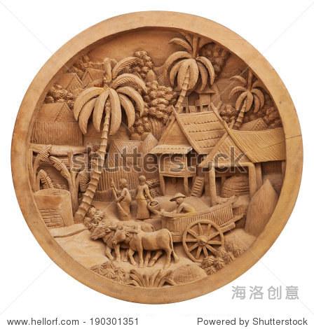 文化的图案雕刻在木头