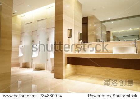当代室内的公共厕所图片