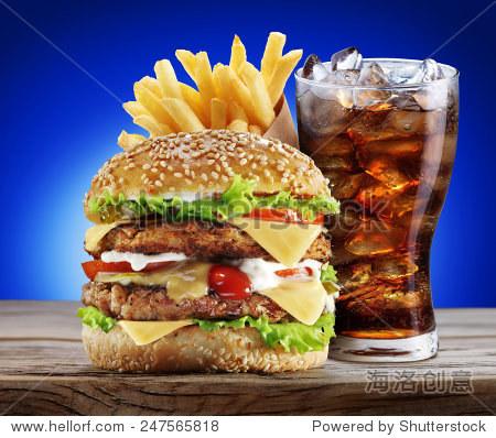 汉堡,薯条,可乐饮料.外卖食物.