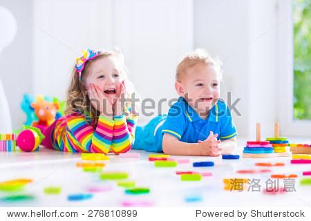 有趣的幼儿玩具用法