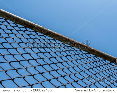 铁网在蓝色的天空 - 背景/素材,抽象 - 站酷海洛创意