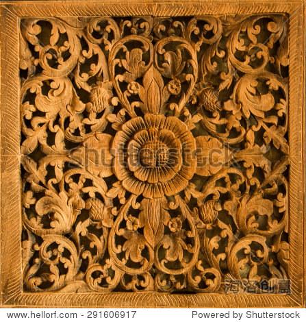 花木头雕塑室内装饰在布朗