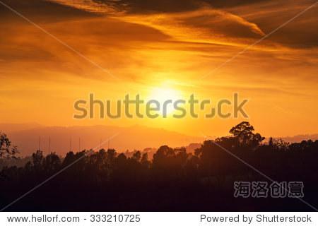 风景优美的夕阳落日橙色天空背景.加利福尼亚的洛杉矶