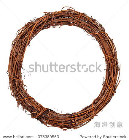 葡萄树的树枝编成的花环孤立