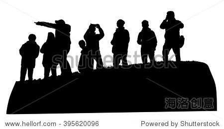群游客在山顶矢量剪影插图孤立.与