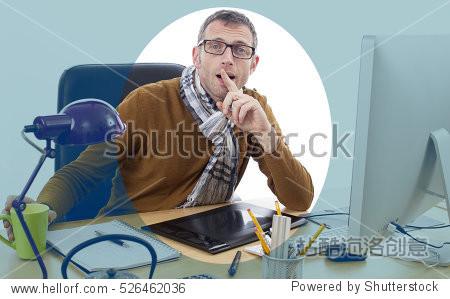 trendy reading glasses  trendy male