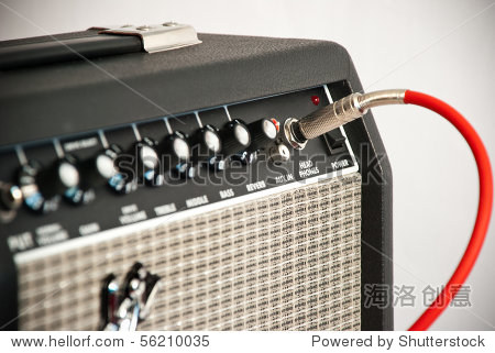 黑色吉他放大器用红绳
