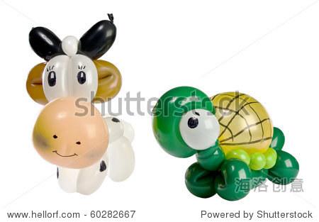 气球动物乌龟和牛孤立在白色的