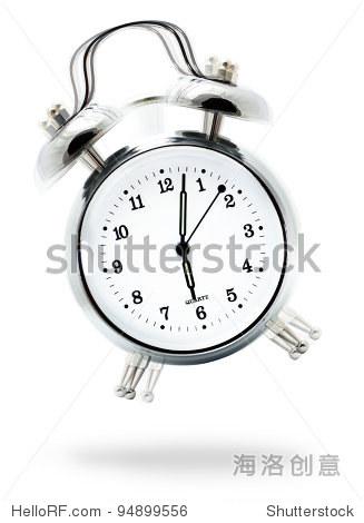 经典的白色的闹钟铃声六点钟,孤立在白色的背景下图片