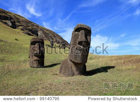 美丽的摩埃复活节岛雕像在南太平洋
