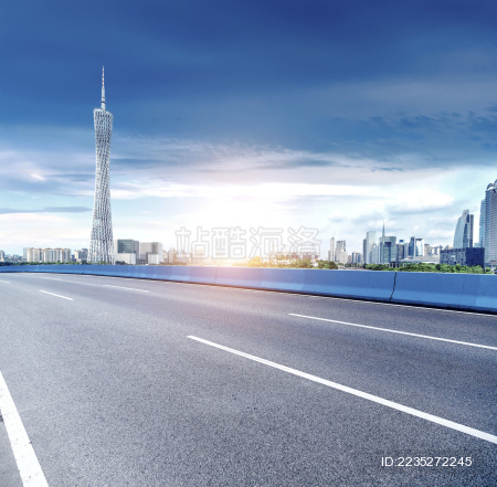 无车的城市公路