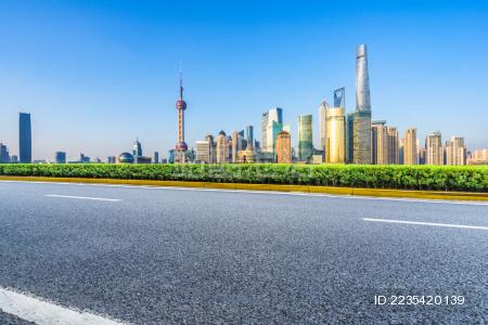 空砖地板与上海的天际线和城市景观,中国。