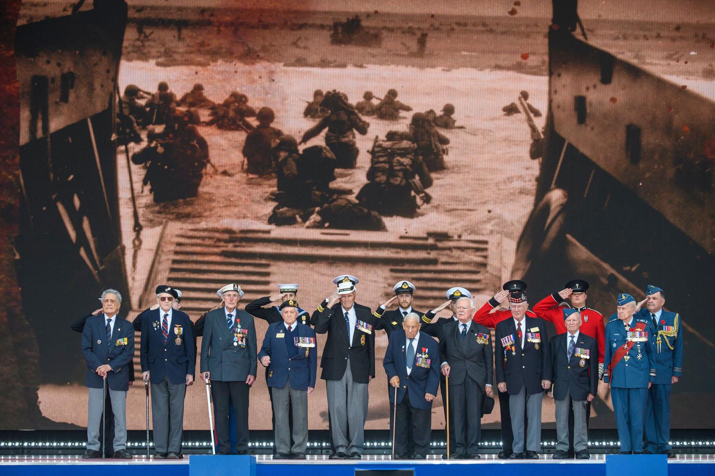 英国举行诺曼底登陆75周年纪念活动
