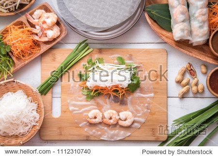 cooking vietnamese summer roll