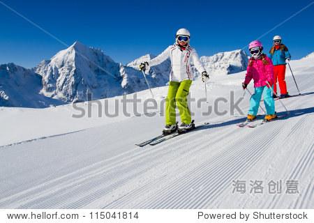 Skiing  winter  ski lesson - skiers on mountainside