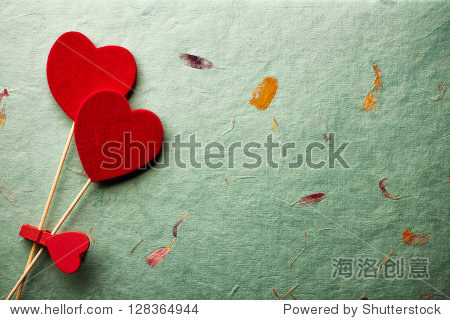 Old retro grungy background with decoration hearts.