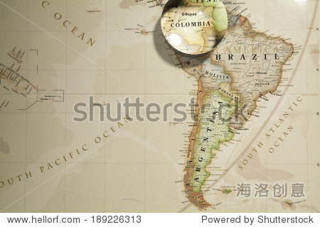 Magnifying Colombia on map