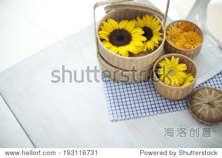 the image of yellow flowers