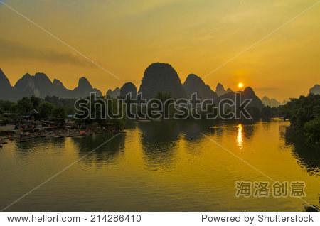 Li river at sunset, Yangshuo,Guangxi province, China