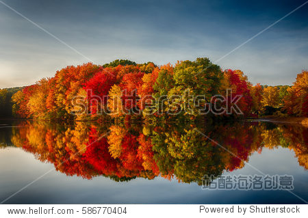 Fall Colors Reflecting in a pOnd