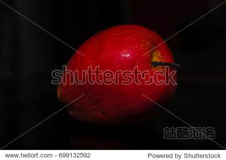 Red Apple low light