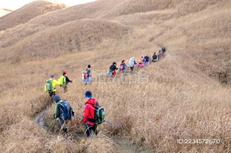 武功山上的一群驴友
