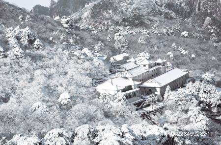 黄山冬季雪景房屋鸟瞰图