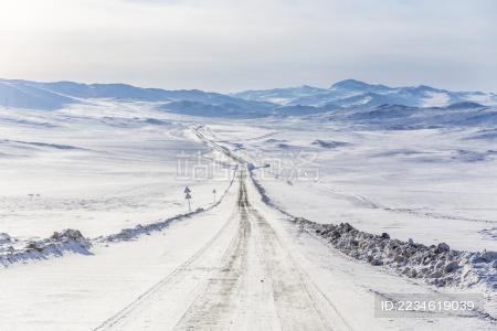 俄罗斯 伊尔库茨克 奥尔洪岛上的道路
