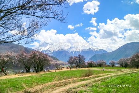 西藏雅鲁藏布江大峡谷风光