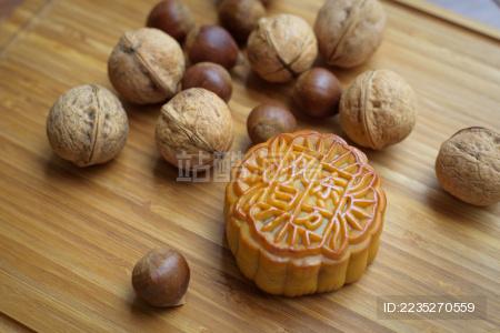 中秋月饼与坚果