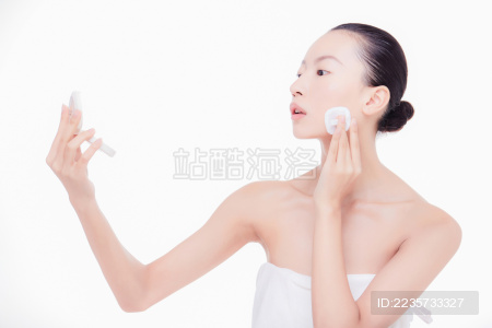 中国女性护肤美妆