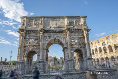 意大利罗马斗兽场和君士坦丁凯旋门