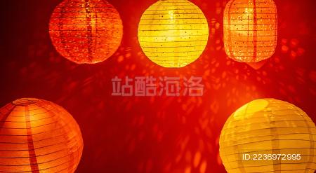 红灯笼在红色背景上 中国传统文化背景素材