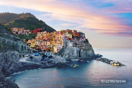 欧洲意大利五渔村海边日出