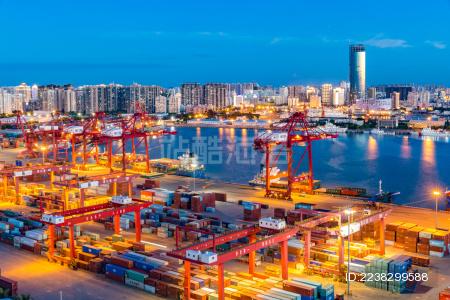 中国海南自贸区自贸港海口港集装箱码头