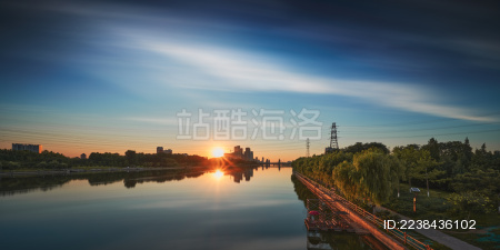 北京通州区运河大街大桥落日倒影