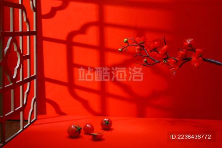 带有中式窗户的红背景 象征着中国红题材