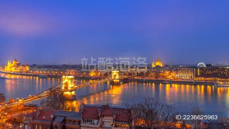 匈牙利布达佩斯铁索桥日落